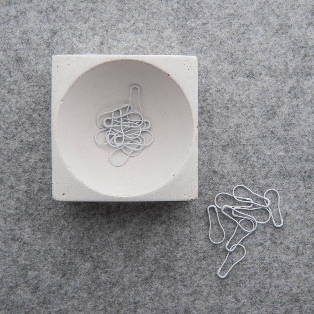 CONCRETE DISH - Twig and Horn