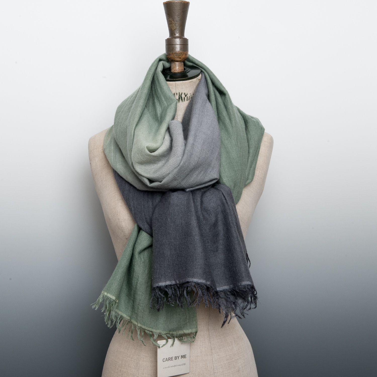 CASHMERE AND SILK GRADIENT STOLE