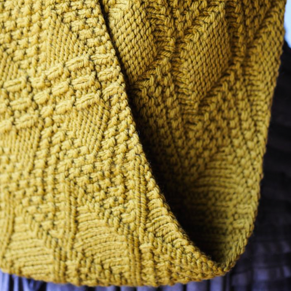 AVERY COWL - QUINCE & CO