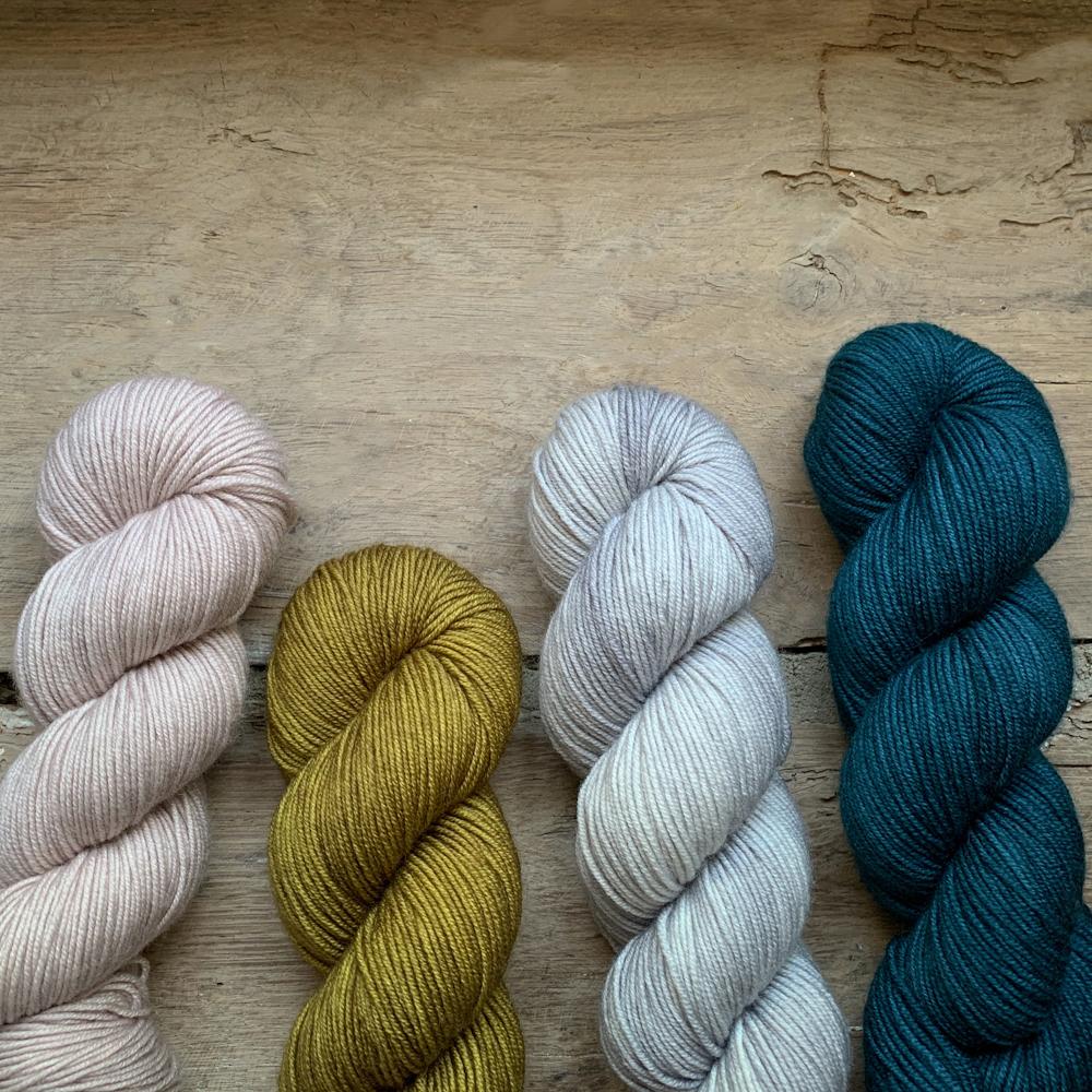 EMMA - FIL DK 100% MERINO TEINT A LA MAIN - Woolissime Yarns