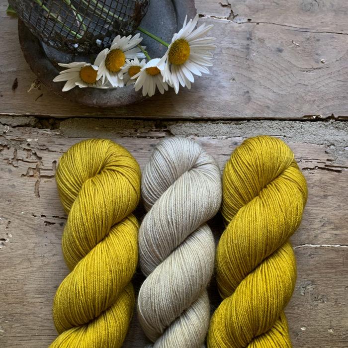 LOU - Fil 100 % MERINO TEINT A LA MAIN - Woolissime Yarns