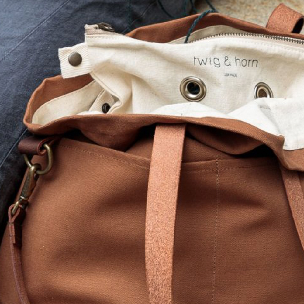 CANVAS CROSSBODY TOTE BAG - Twig and Horn