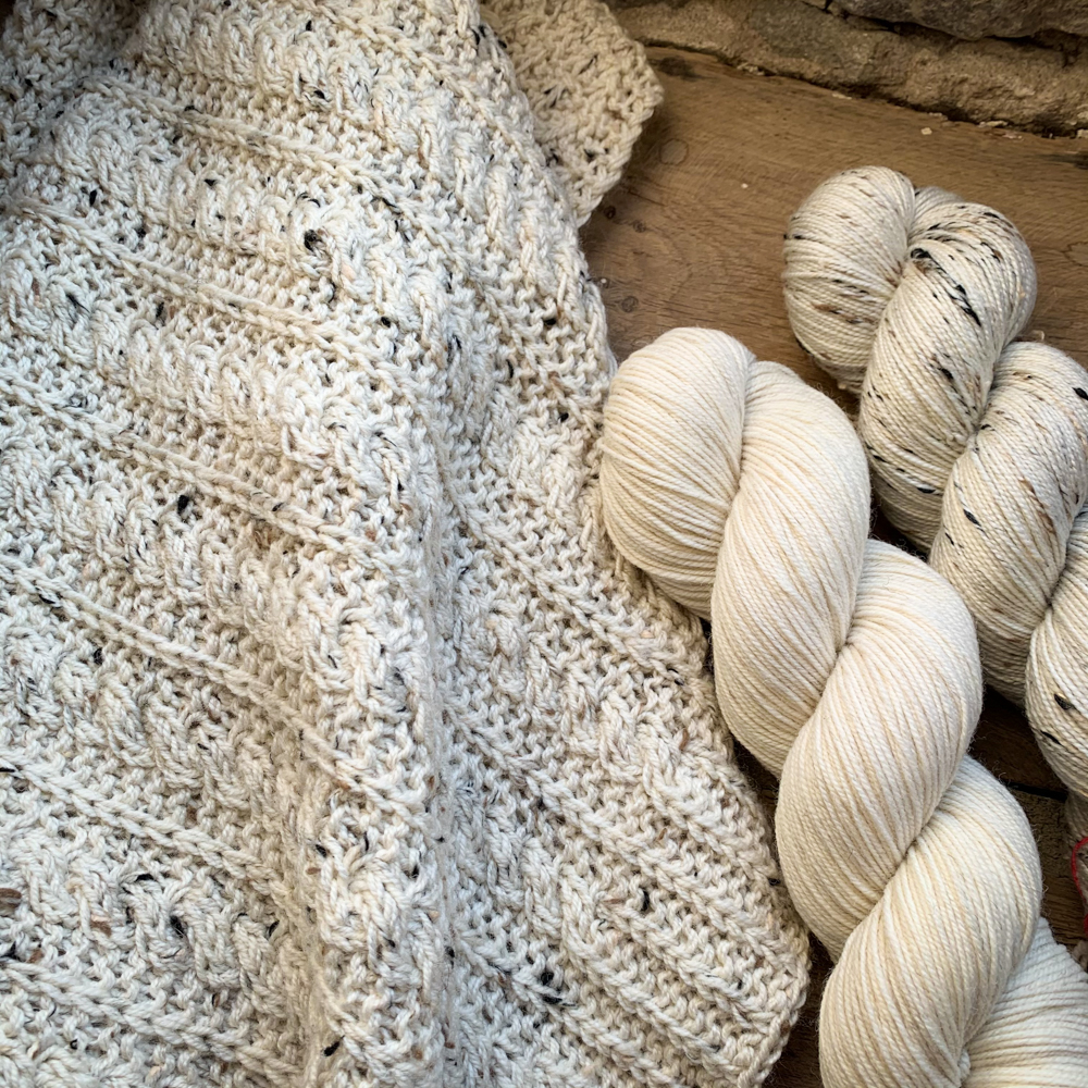 "SET POUR ""BEACH TALK SHAWL"" de Gretha Mensen - Woolissime Yarns"